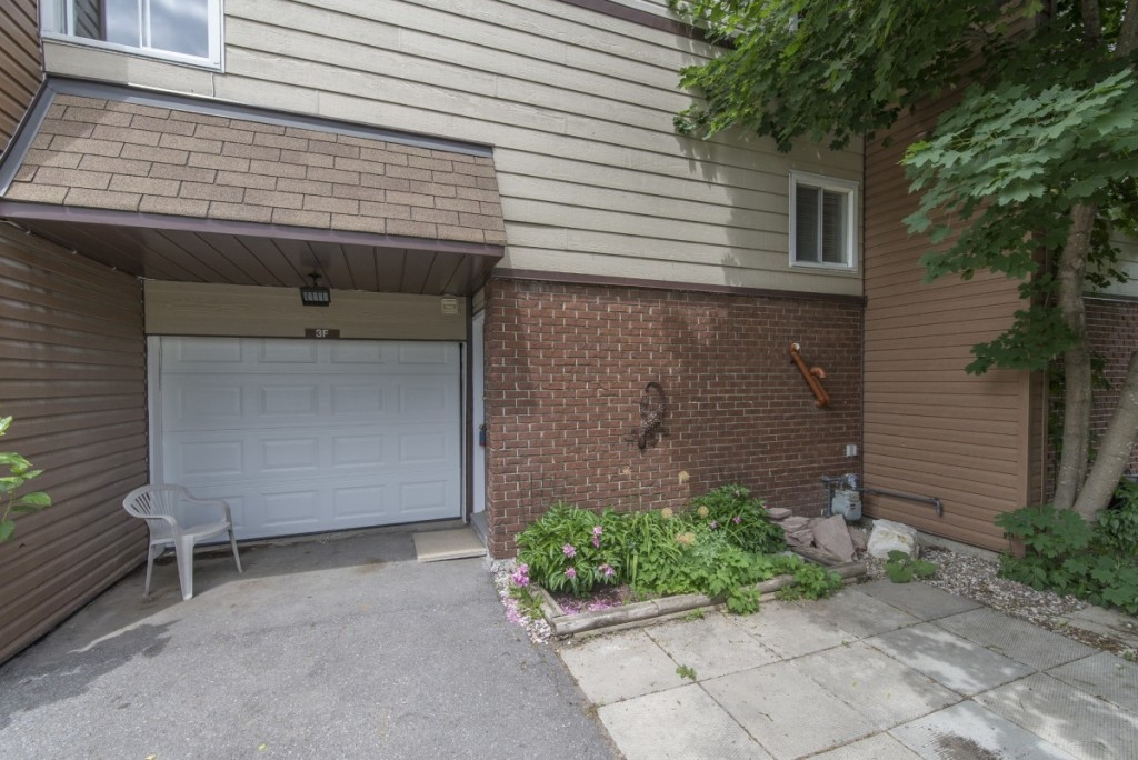 ottawa-house-for-sale-in-lynwood-village (2)
