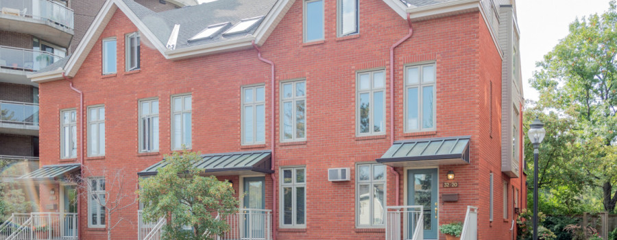 Ottawa Condo for Sale in Vanier <br>Bungalow Style Apartment <br>31-20 Charlevoix Street <br>$339,000