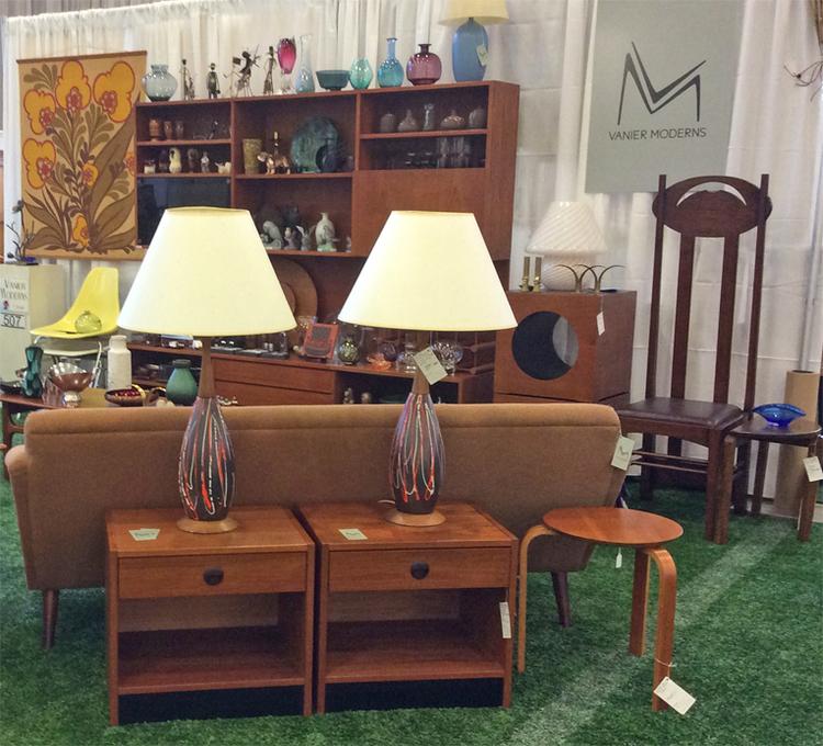 ottawa_antique_and_vintage_market_vanier