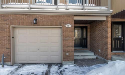 Ottawa Condo for Sale in <br>Hunt Club Western Community <br>80 Winbro Private <br>$259,000 <br>SOLD