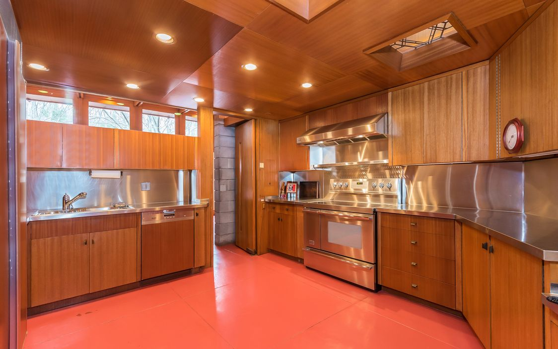 The Kitchen Is Stunning! Of Course Those Who Know Me Know That I Wont Be  Spending A Lot Of Time There U2013 Except To Keep The Chef Company.