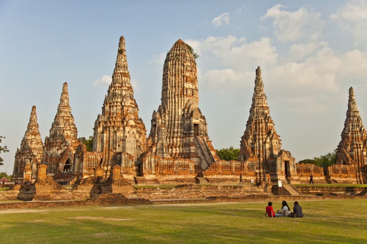 Architecture asia thailand temples for Wat architecture