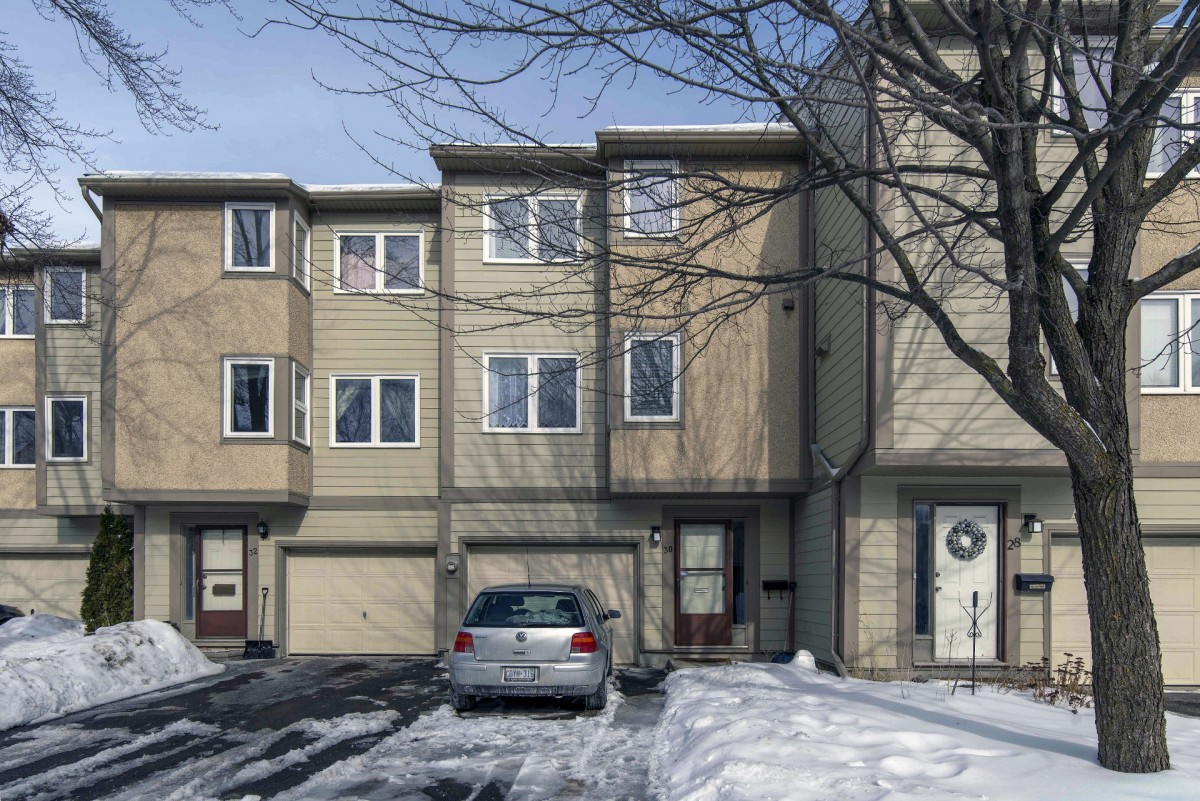 Ottawa condo for sale katimavik 30 peary way 210000 attached garage with inside entry private driveway suitable for 2 additional cars close to inground heated pool proximity to schools and shopping solutioingenieria Gallery